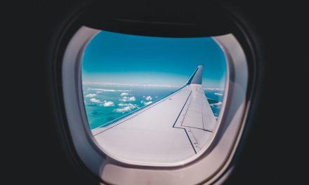 Top 12 hacks to book cheap flights