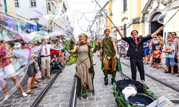 Street performers flock to Linz for Pflasterspektakel