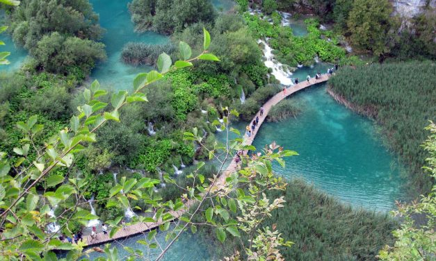 Plitvice Lakes – where god spilled the paint